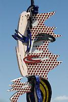"""Spanien, Barcelona, """"Barcelona Head"""" Plastik von Roy Lichtenstein"""