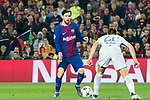 Lionel Andres Messi (L) of FC Barcelona competes for the ball with Cesar Azpillicueta of Chelsea FC during the UEFA Champions League 2017-18 Round of 16 (2nd leg) match between FC Barcelona and Chelsea FC at Camp Nou on 14 March 2018 in Barcelona, Spain. Photo by Vicens Gimenez / Power Sport Images
