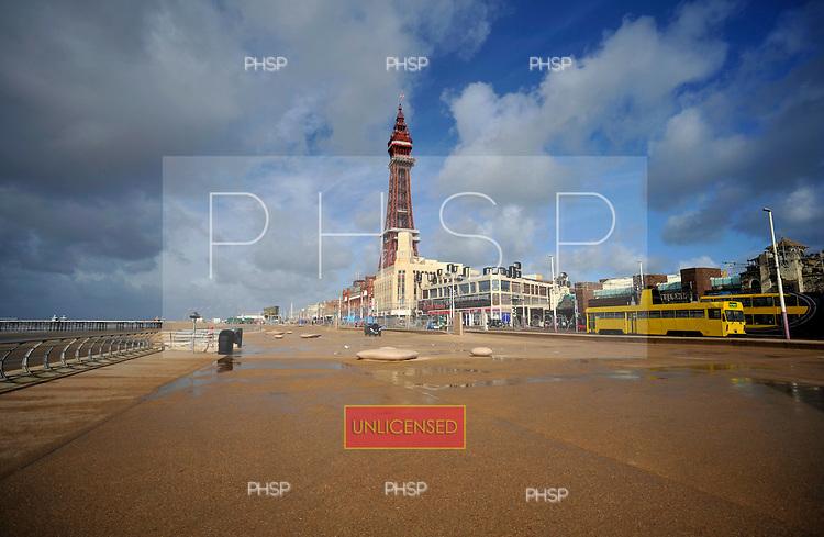 .06/10/2011 Blackpool Weather...© Phill Heywood.