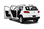 Car images of 2017 Volkswagen Tiguan S-4Motion 5 Door SUV Doors
