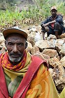 ETHIOPIA, Taza, Kambata village / AETHIOPIEN Taza, Kambata Dorf Sululu, Satna Hergo
