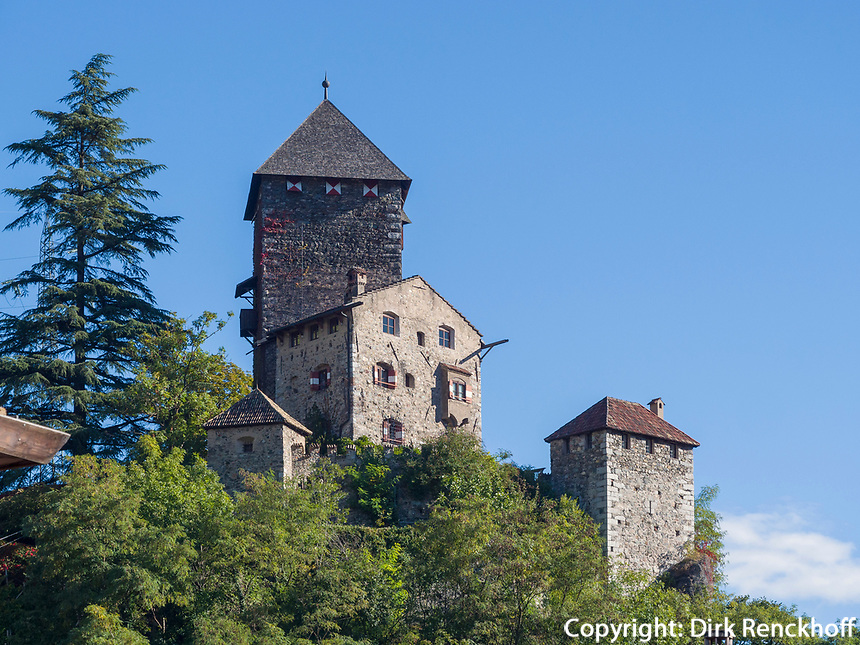Burg Branzoll in Klausen, Region Südtirol-Bozen, Italien, Europa<br /> castle Branzoll in Klausen, Region South Tyrol-Bolzano, Italy, Europe