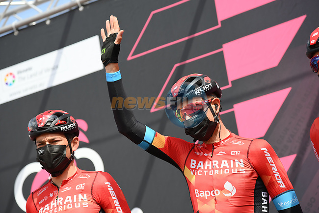 Bahrain Victorious at sign on before the start of Stage 14 of the 2021 Giro d'Italia, running 205km from Cittadella to Monte Zoncolan, Italy. 22nd May 2021.  <br /> Picture: LaPresse/Gian Mattia D'Alberto | Cyclefile<br /> <br /> All photos usage must carry mandatory copyright credit (© Cyclefile | LaPresse/Gian Mattia D'Alberto)