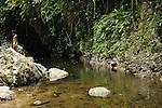 El chamán / comunidad indígena emberá, Panamá.