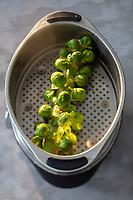 Gastronomie Générale / Choux de Bruxelles  bio - Cuisson à la vapeur //  General Gastronomy / Organic Brussels sprouts - Steam cooking
