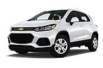 Stock pictures of low aggressive front three quarter view of 2018 Chevrolet Trax LS 5 Door SUV Low Aggressive