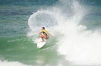 RIO DE JANEIRO, RJ, 16.05.2015 - SURF-RJ - A havaiana Carissa Mooredurante etapa Oi Rio Pro, etapa brasileira do circuito mundial da Wolrd Surf League (WSL), na praia da Barra da Tijuca, na zona oeste da cidade do Rio De Janeiro neste sábado (16). (Foto: João Mattos / Brazil Photo Press)