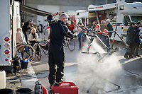 cleaning<br /> <br /> Jaarmarktcross Niel 2014