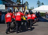 17-19 March 2017, Gainesville, Florida USA Doug Kalitta, Mac Tools, top fuel dragster, crew ©2017, Mark J. Rebilas