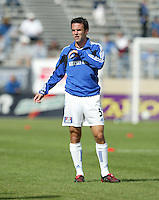24 October 2004:  Kerry Zavagnin of Wizards warms up before the game against Earthquakes at Spartan Stadium in San Jose, California.   Earthquakes defeated Wizards, 2-0.  Credit: Michael Pimentel / ISI