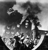 Мексика в огне (1956)