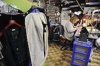 - Milano, gli artigiani del quartiere Ticinese Barona; Mariarosa Parolisi, sarta e costumi teatrali<br /> <br /> - Milan, the artisans of Ticinese Barona district; Mariarosa Parolisi, tailor and theatrical costumes