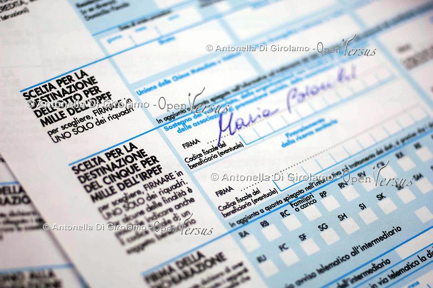 Scelta per la destinazione del cinque per mille dell' IRPEF..Italian Taxes...
