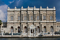 Europe/Turquie/Istanbul : Palais de Dolmabaçe sur les bors du Bosphore  //  Europe / Turkey / Istanbul: Dolmabaçe Palace on the banks of the Bosphorus