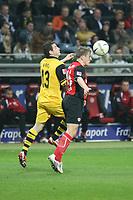 Christoph Spycher (Eintracht) verteidigt gegen Alexander Frei (BVB)<br /> Eintracht Frankfurt vs. Borussia Dortmund, Commerzbank Arena<br /> *** Local Caption *** Foto ist honorarpflichtig! zzgl. gesetzl. MwSt. Auf Anfrage in hoeherer Qualitaet/Aufloesung. Belegexemplar an: Marc Schueler, Am Ziegelfalltor 4, 64625 Bensheim, Tel. +49 (0) 6251 86 96 134, www.gameday-mediaservices.de. Email: marc.schueler@gameday-mediaservices.de, Bankverbindung: Volksbank Bergstrasse, Kto.: 151297, BLZ: 50960101