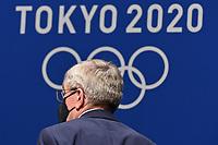 IOC Praesident Dr. Thomas BACH vor dem Logo Tokyo 2020 und den Olympiaringen.Traegt Mundschutz,Maske. Einzelbild,angeschnittenes Einzelmotiv,Portraet,Portrait,Porträt, IOC Pressekonferenz am 21.07.2021. Olympische Sommerspiele 2020, vom 23.07. - 08.08.2021 in Tokio / Japan. *** IOC President Dr Thomas BACH in front of the Tokyo 2020 logo and Olympic rings Wearing Masks,Mask Single Image,Cropped Single Image,Portrait,Portrait,Portrait, IOC Press Conference on 21 07 2021 Summer Olympics 2020, from 23 07 08 2021 in Tokyo Japan <br /> Photo Imago / Insidefoto ITALY ONLY