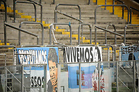 PORTO ALEGRE, RS, 18.04.2021 - GREMIO - NOVO HAMBURGO - Sem torcida presente, apenas profissionais da Imprensa, clubes e da Federação Gaúcha durante Bandeira Preta no Estado, na partida entre Grêmio e Novo Hamburgo, válida pela 10. rodada, do Campeonato Gaúcho 2021, no estádio Arena do Grêmio, em Porto Alegre, neste domingo (18).