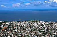Vista aérea da cidade de Macapá e Rio Amazonas. Amapá. 2003. <br /> Foto de Juca Martins.