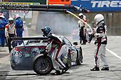 #86 Meyer Shank Racing with Curb-Agajanian Acura NSX, GTD: Katherine Legge, Alvaro Parente, pit stop