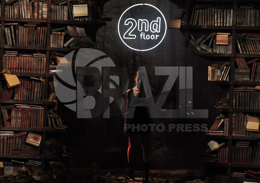 SÃO PAULO, SP, 20 DE JANEIRO DE 2010 - SPFW 4º DIA / 2ND FLOOR - Quarto dia do São Paulo Fashion Week da Moda Inverno 2010 na foto desfile da grife 2nd Floor na Bienal do Ibirapuera. Na região sul da capital paulista. FOTO: FELIPE JOSÉ  / BRAZIL PHOTO PRESS