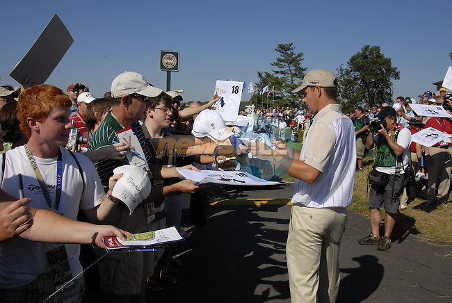 European Team member Padraig Harrington signs autographs for the fans as he makes his way to the 13th tee during Practice Day1 of the 37th Ryder Cup at Valhalla Golf Club, Louisville, Kentucky, USA, 17th September 2008 (Photo by Eoin Clarke/GOLFFILE)
