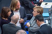 Konstituierende Sitzung des 19. Deutschen Bundestag am Dienstag den 24. Oktober 2017.<br /> Im Bild vlnr.: Katrin Goering-Eckardt (Parteivorsitzende Buendnis 90/Die Gruenen), Anton Hofreiter (Fraktionsvorsitzender Buendnis 90/Die Gruenen), Bundeskanzlerin Angela Merkel. Von hinten: Peter Michael Tauber (CDU-Generalsekretaer) und Cem Oezdemir (Parteivorsitzender Buendnis 90/Die Gruenen).<br /> 24.10.2017, Berlin<br /> Copyright: Christian-Ditsch.de<br /> [Inhaltsveraendernde Manipulation des Fotos nur nach ausdruecklicher Genehmigung des Fotografen. Vereinbarungen ueber Abtretung von Persoenlichkeitsrechten/Model Release der abgebildeten Person/Personen liegen nicht vor. NO MODEL RELEASE! Nur fuer Redaktionelle Zwecke. Don't publish without copyright Christian-Ditsch.de, Veroeffentlichung nur mit Fotografennennung, sowie gegen Honorar, MwSt. und Beleg. Konto: I N G - D i B a, IBAN DE58500105175400192269, BIC INGDDEFFXXX, Kontakt: post@christian-ditsch.de<br /> Bei der Bearbeitung der Dateiinformationen darf die Urheberkennzeichnung in den EXIF- und  IPTC-Daten nicht entfernt werden, diese sind in digitalen Medien nach §95c UrhG rechtlich geschuetzt. Der Urhebervermerk wird gemaess §13 UrhG verlangt.]