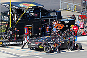 Monster Energy NASCAR Cup Series<br /> AXALTA presents the Pocono 400<br /> Pocono Raceway, Long Pond, PA USA<br /> Sunday 11 June 2017<br /> Martin Truex Jr, Furniture Row Racing, Furniture Row/Denver Mattress Toyota Camry pit stop<br /> World Copyright: Russell LaBounty<br /> LAT Images<br /> ref: Digital Image 17POC1rl_05122