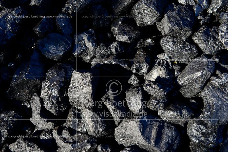 Germany, Hamburg, Hansaport import of coal  for coal power stations  / DEUTSCHLAND, Hamburg, Hansaport, Import von Kohle, Lagerung und Weitertransport zu Kraftwerken und Stahlwerken
