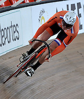 CALI – COLOMBIA – 18-01-2015: Hugo Haak de Holanda en la prueba de Velocidad Varones en el Velodromo Alcides Nieto Patiño, sede de la III Copa Mundo UCI de Pista de Cali 2014-2015  / Hugo Haak of Nederland in the Men´s Sprint Race at the Alcides Nieto Patiño Velodrome, home of the III Cali Track World Cup 2014-2015 UCI. Photos: VizzorImage / Luis Ramirez / Staff.