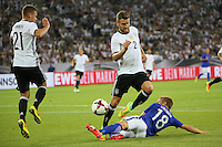 Jere Uronen (Finnland) gegen Shkodran Mustafi (Deutschland Germany) und Joshua Kimmich (Deutschland Germany) - Deutschland vs. Finnland, Borussia Park, Mönchengladbach