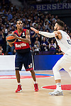 Bayern Munich´s player Renfroe and Real Madrid´s player Taylor during the 4th match of the Turkish Airlines Euroleague at Barclaycard Center in Madrid, Spain, November 05, 2015. <br /> (ALTERPHOTOS/BorjaB.Hojas)