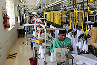 INDIA Tirupur , fair trade textile units , Armstrong Knitting Mills produces organic and fairtrade garments for Export / INDIEN Tamil Nadu, Tirupur,  fairtrade Textilbetriebe , Herstellung von oekologischen und fair gehandelten Textilien bei Armstrong Knitting Mills fuer den Export