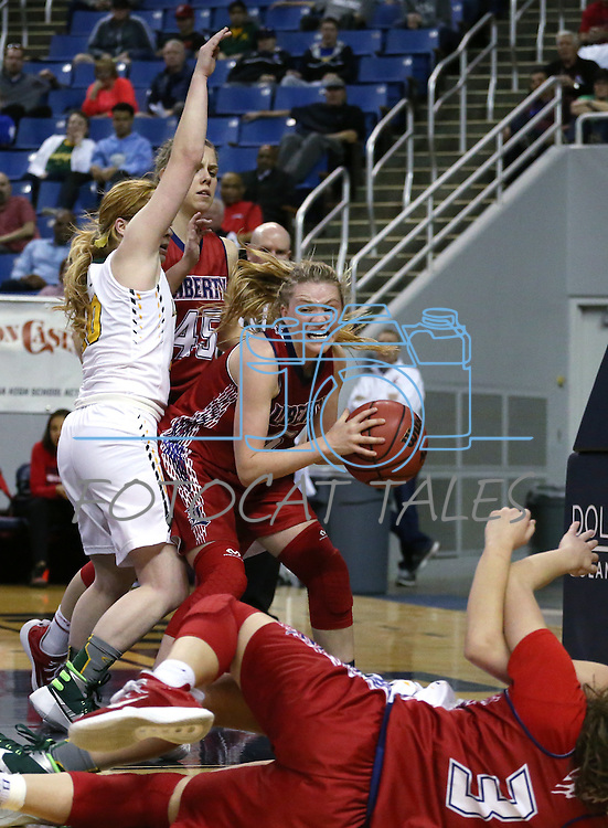 Liberty's London Pavlica grabs a loose ball under pressure from Manogue's Tawni Henderson during the NIAA Division I state basketball tournament in Reno, Nev. on Thursday, Feb. 25, 2016. Liberty won 59-53. Cathleen Allison/Las Vegas Review-Journal