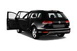 Car images of 2018 Volkswagen Golf-Variant Comfortline 5 Door Wagon Doors