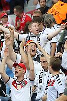 Deutsche Fans jubeln - EM 2016: Deutschland vs. Polen, Gruppe C, 2. Spieltag, Stade de France, Saint Denis, Paris
