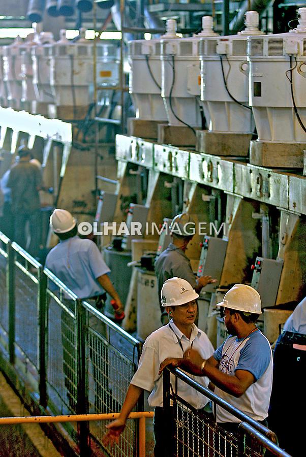 Indústria de alcool Usina Santa Elisa. Sertãozinho. São Paulo. 2007. Foto de Caetano Barreira.