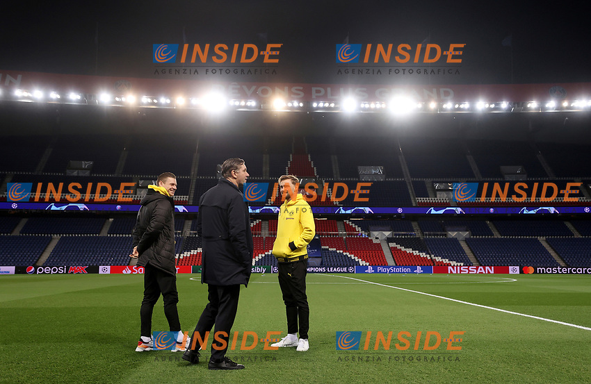 Soccer Football - Champions League - Round of 16 Second Leg - Paris St Germain v Borussia Dortmund - Parc des Princes, Paris, France - March 11, 2020  Borussia Dortmund's sporting director Michael Zorc with Lukasz Piszczek and Marcel Schmelzer before the match   <br /> Photo Pool/Panoramic/Insidefoto