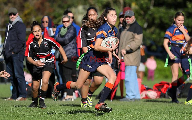 Fast Rip rugby. Beachlands-Maraetai U13 girls v Mt Roskill, Fearon Park, Mt Roskill, Auckland. Saturday 25 July 2020. Photo: Simon Watts/www.bwmedia.co.nz