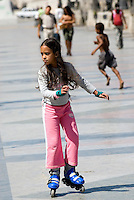 Cuba, Habana, Skater auf Paseo de Marti (Prado)