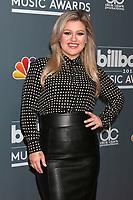 2018 Billboard Music Awards Host Photo Call