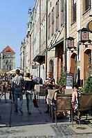 Restaurant am alten Marktplatz (Stary Rynek) in Posnan (Posen), Woiwodschaft Großpolen (Województwo wielkopolskie), Polen Europa<br /> Restaurant at Old Market Place (Stary Rynek) in Pozan, Poland, Europe