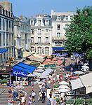 France, Brittany, Département Ille-et-Vilaine, St. Malo: Place Chateaubriand | Frankreich, Bretagne, Département Ille-et-Vilaine, St. Malo: Place Chateaubriand