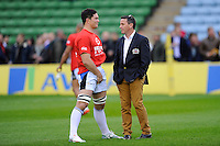 Mike Ford, Bath Rugby Head Coach, talks with his captain Francois Louw of Bath Rugby