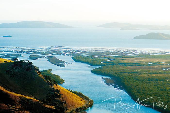 Rivière Tontouta, côte Ouest