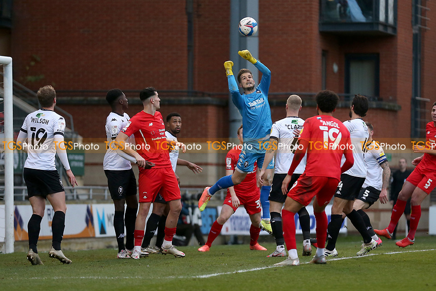 Vaclav Hladky of Salford City punches clear during Leyton Orient vs Salford City, Sky Bet EFL League 2 Football at The Breyer Group Stadium on 2nd January 2021
