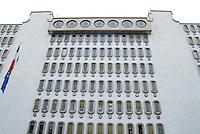 Vercelli, capitale europea della produzione del  riso (tre milioni di quintali per anno), dal 1974 è la sede della Borsa Merci, dove tutte le settimane, al martedi e venerdi, viene definito il prezzo delle varie qualità di riso. Nel laboratorio della Borsa viene calcolata l'effettiva resa delle differenti qualità..La borsa del riso si trova all'interno del Palazzo della Casa dell'Agricoltore, classico esempio di architettura del periodo fascista. borsa del riso vercelli