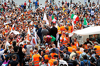 General View<br /> Roma June 2nd 2020. Italy, Piazza del Popolo. Demonstration of the right movement 'Orange Vests' against the government in occasion of the anniversary of the Republic. The protesters wear orange gilet<br /> Photo Samantha Zucchi Insidefoto