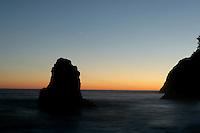 Sea stacks at sunset, Ruby Beach, Washington.<br /> <br /> Canon EOS 30D, 17-40 f/4L lens