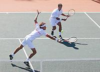 09-07-11, Tennis, South-Afrika, Potchefstroom, Daviscup South-Afrika vs Netherlands, Dubbel Robin Haase en Jesse Huta Galung(R)