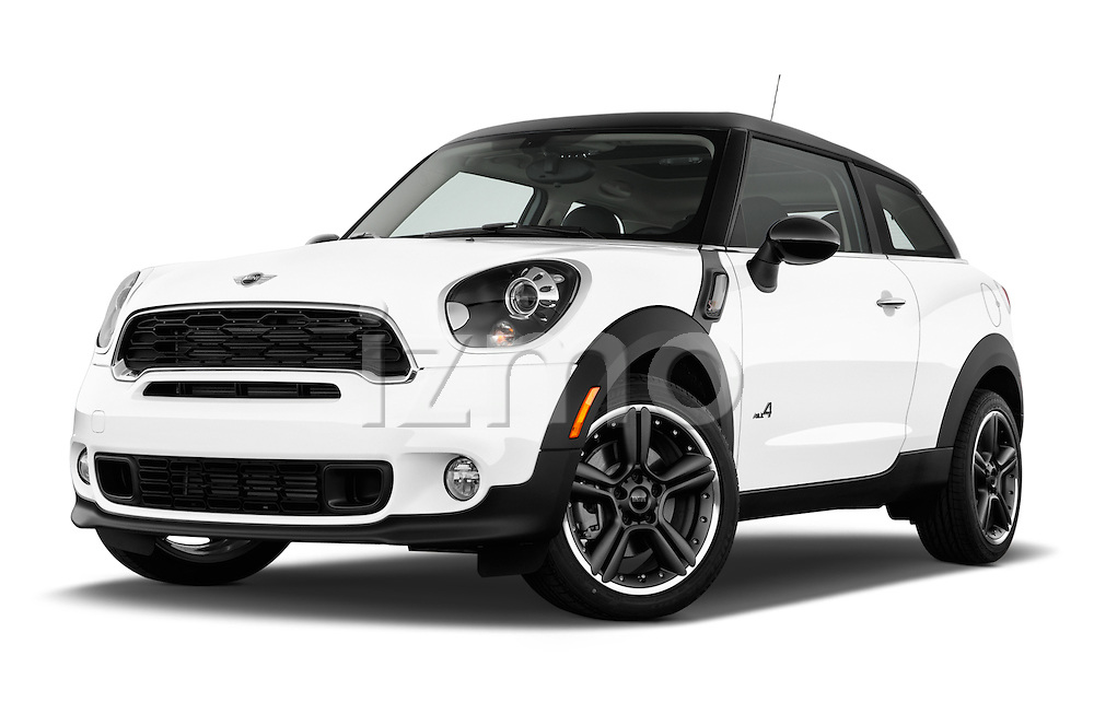 Low aggressive front three quarter view of a 2013 Mini Paceman2013 Mini Paceman